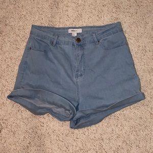 SALE 3/$10 🎉 high waisted jean shorts light wash